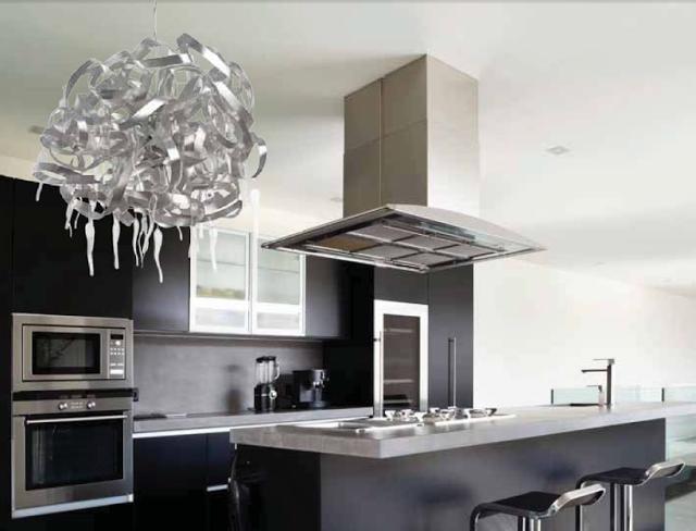 lmpara de metal para bombillas led en color aluminio rayado con adorno de cristales