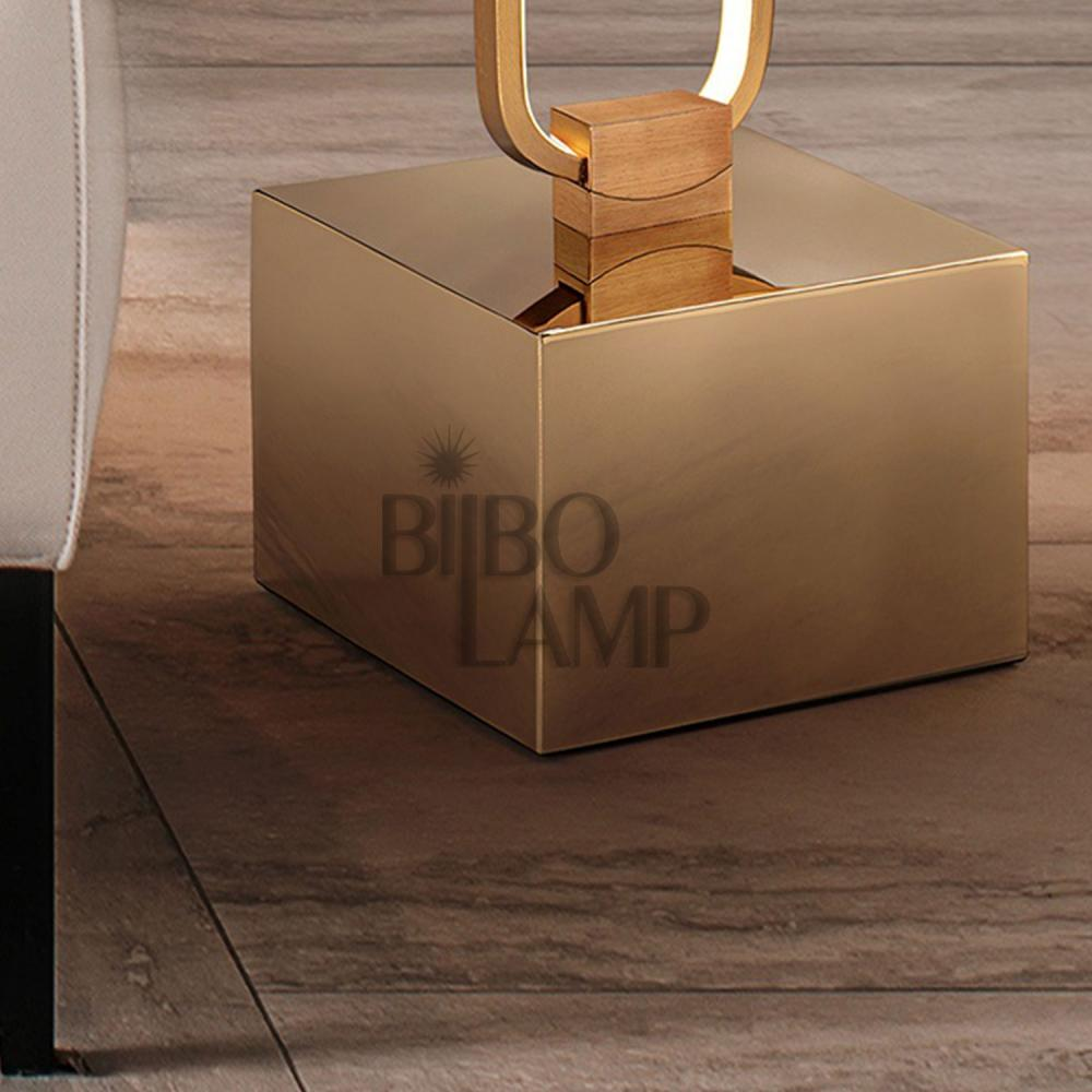 Lámpara de Pie Colette en Oro Rosa de Bilbolamp